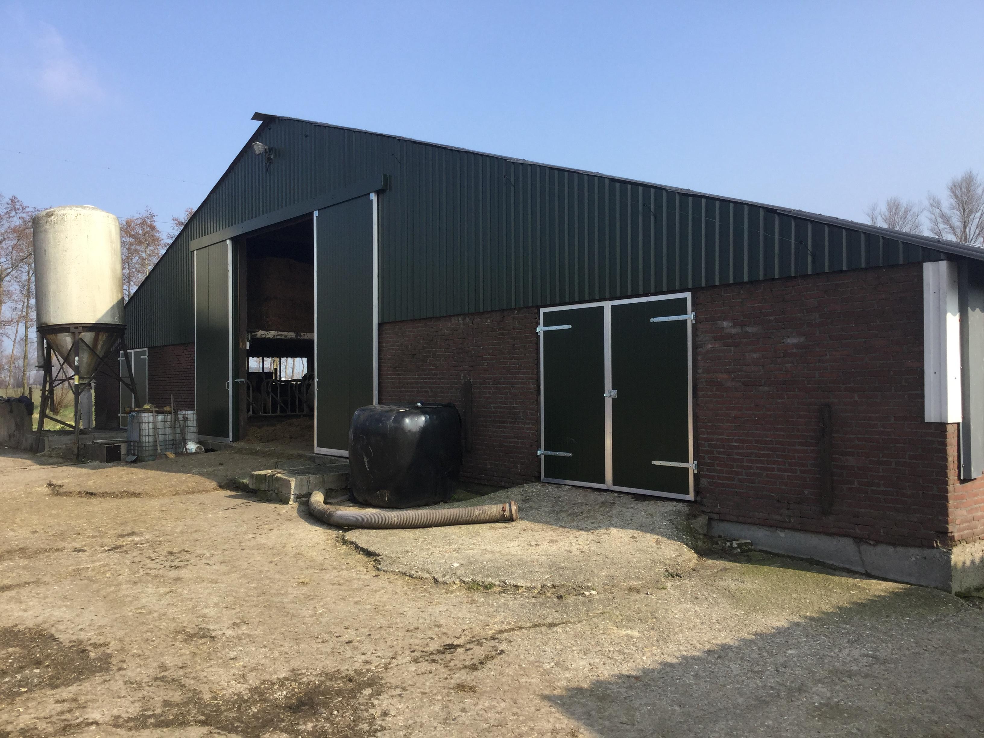 RoofPlus | Asbest verwijderen agrarisch gebouw, nieuwbouw & renovatie